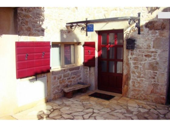 Stone cottage for sale in Kaštelir-Labinci
