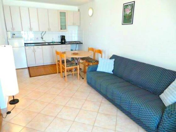 Budget holiday apartment only 100m from the sea