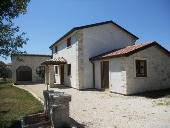 Nice detached house for sale close to Poreč