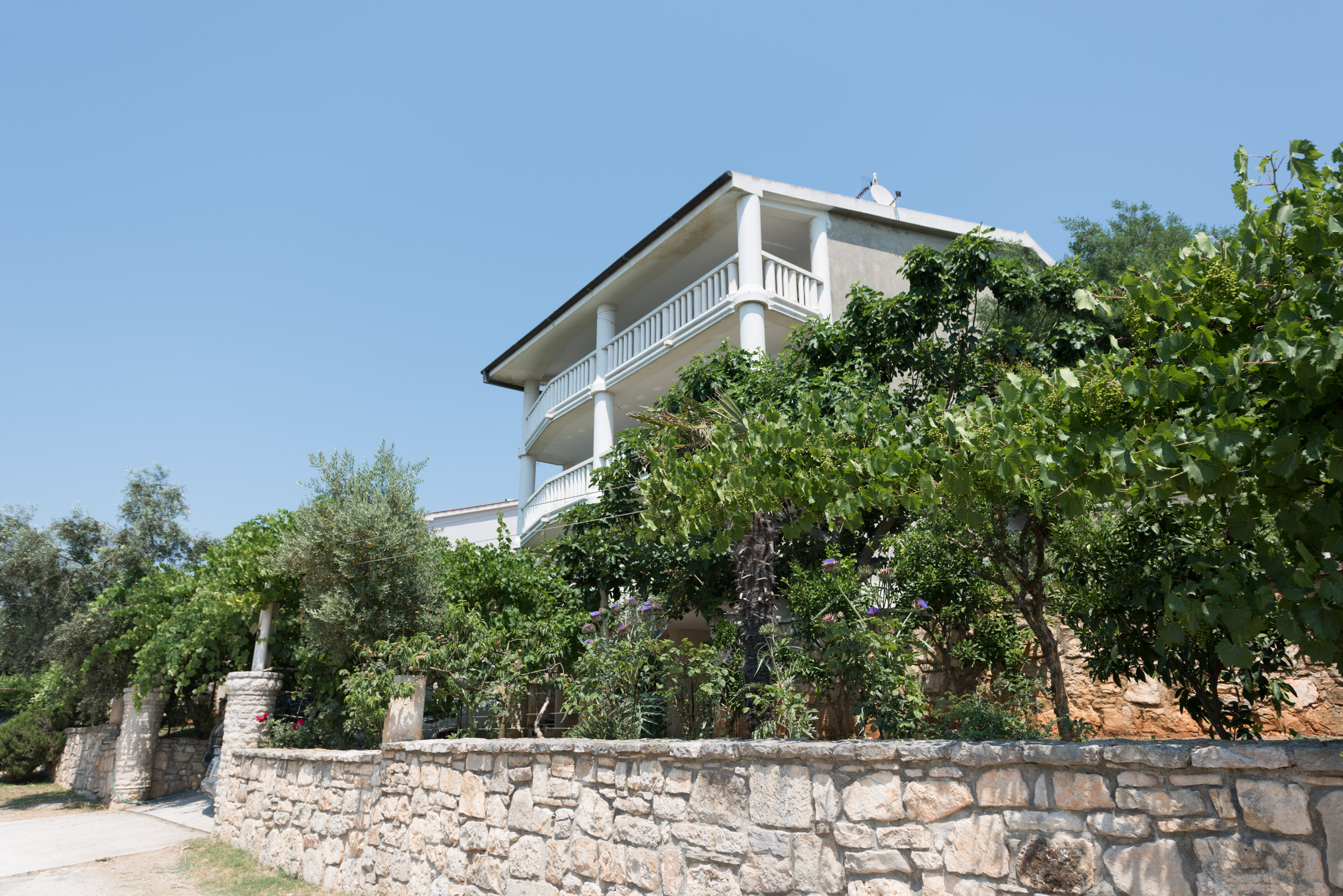 Beautiful villa for sale only 50 meters from the sea