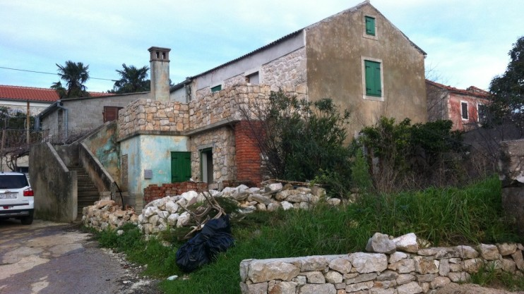 Great little part- renovated stone-built holiday home - Island of Uglian - off Zadar