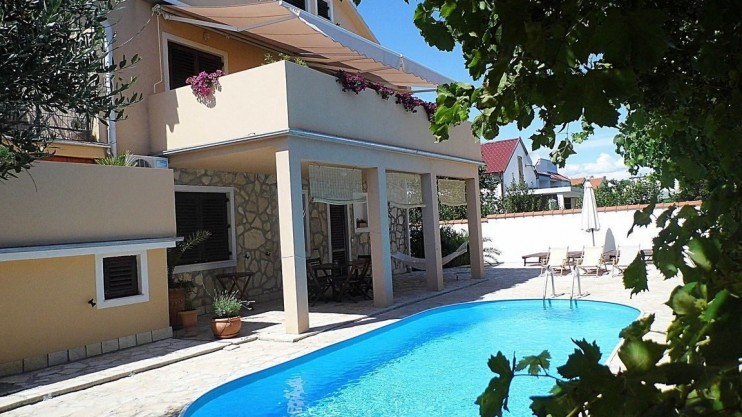 Villa for sale just north of Zadar