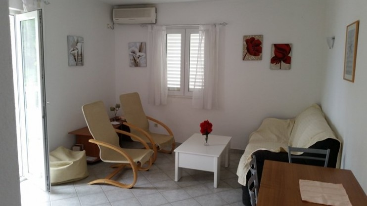 Apartment for sale in Sutivan, Brač