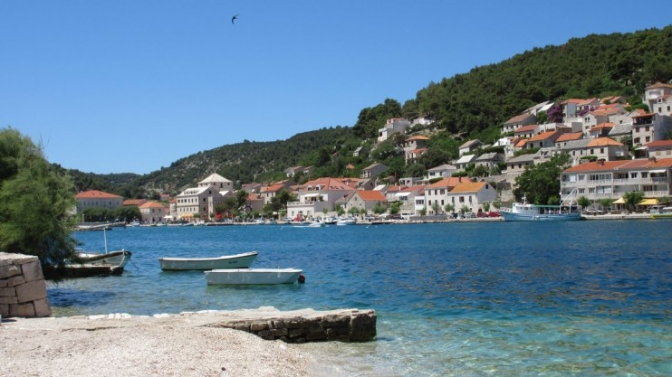 Furnished traditional house Island of Brač