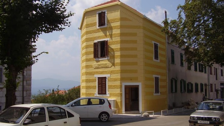 Office building for sale in Imotski